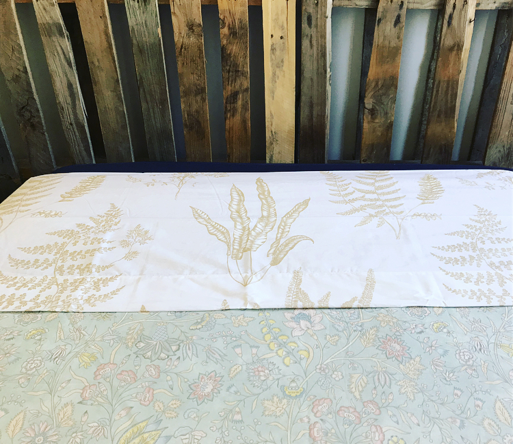 Sábana encimera estampado hoja monocolor de Zara Home
