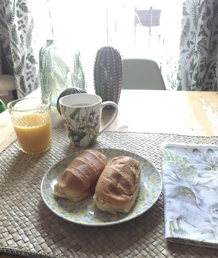Un desayuno cálido y natural